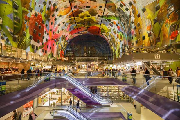 История рынка берёт своё начало с 2009 года; открытие — 1 октября 2014 года. Общая площадь сооружения составляет 29 000 м². (Tom Roeleveld)