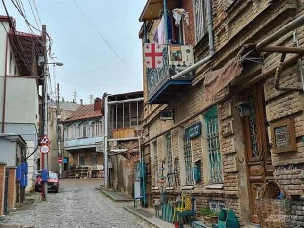 Грузия зовет Россию врагом, но имеет с нее миллиарды