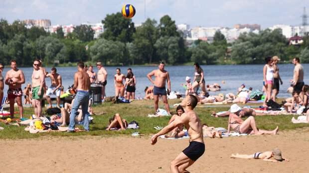Жителям Москвы сообщили, когда в регионе можно будет в последний раз сходить на пляж