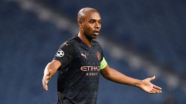 «Манчестер Сити» продлит контракт с Фернандиньо