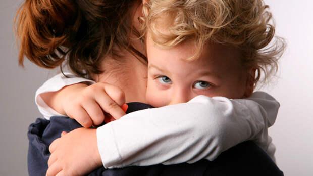 Что делать, если свекровь вмешивается в воспитание ребёнка