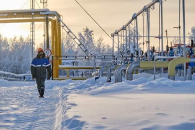 """""""Газпром"""" за 2,5 месяца увеличил экспорт в дальнее зарубежье на треть"""