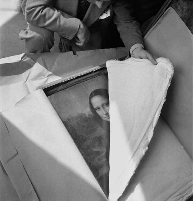 15. Накануне Второй мировой войны Мона Лиза была возвращена в Лувр