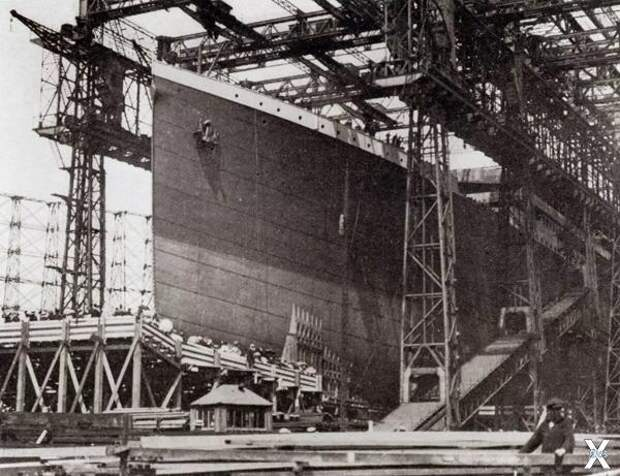 Титаник в сухом доке в Белфасте