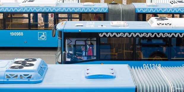 """Число компенсационных автобусов, курсирующих от """"Трикотажной"""", увеличили до 100"""