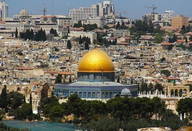 Около 200 палестинцев пострадали в столкновениях на Храмовой горе Иерусалима