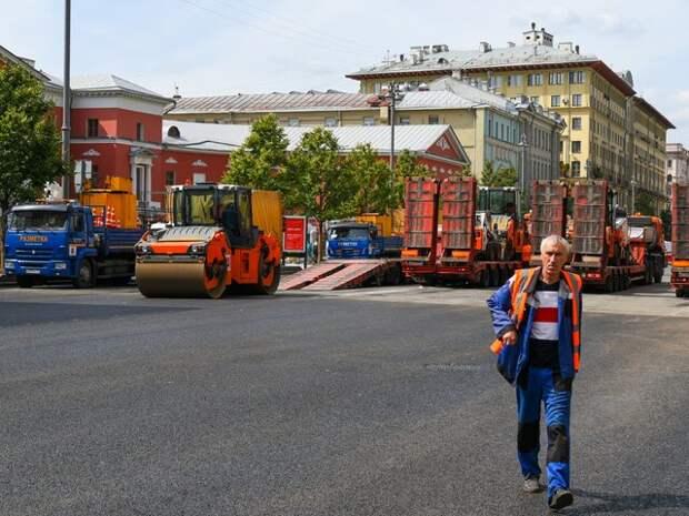 К дорожным работам на Тверской привлекут более 2,3 тысячи человек – Бирюков