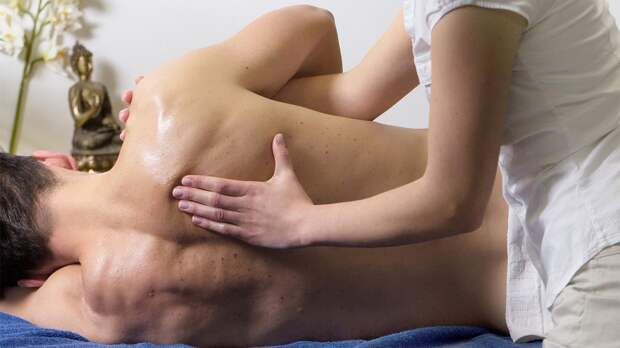 «Общение не словами, а телами». Как устроен бизнес эротического массажа в Нью-Йорке?