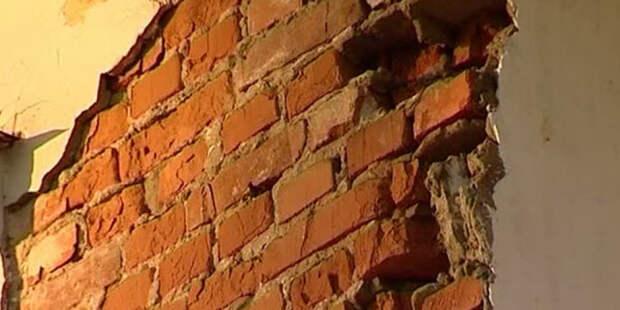 В Вологодской области обрушилась стена жилого дома начала XIX века