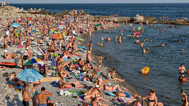 """""""Перегрев"""" черноморских курортов: Что делать с толпами туристов и космическими ценами?"""