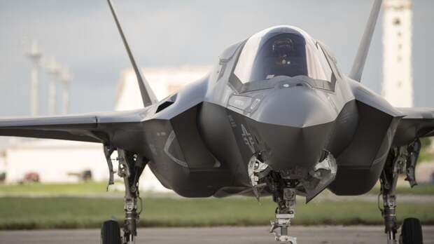 В Китае рассказали, как Россия препятствует производству новых американских истребителей