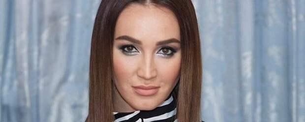 Бузова назвала райдер после скандала на концерте в Волгограде