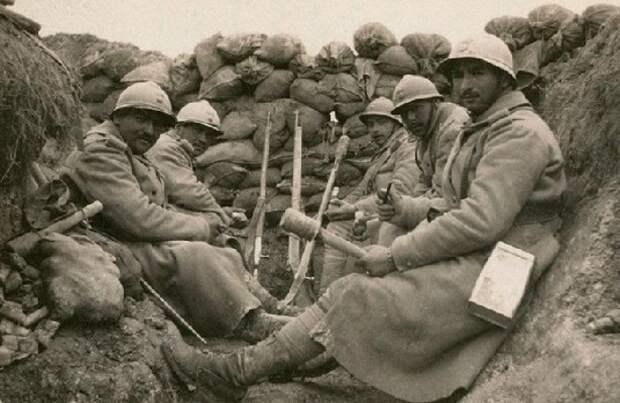 Эффективность каски была доказана тут же на поле боя. /Фото: ria.ru