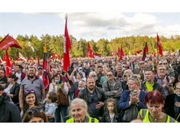 Небольшая война за власть в Литве: гетеросексуалы против гомосексуалистов