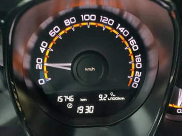 Водители и эксперты рассуждают о пределе нештрафуемого порога скорости