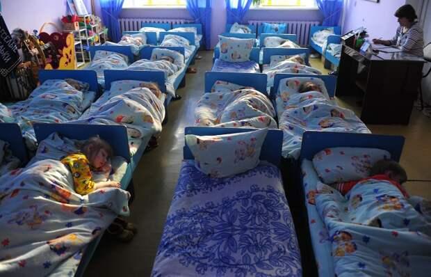 Минобрнауки займется мониторингом родительской платы за детские сады