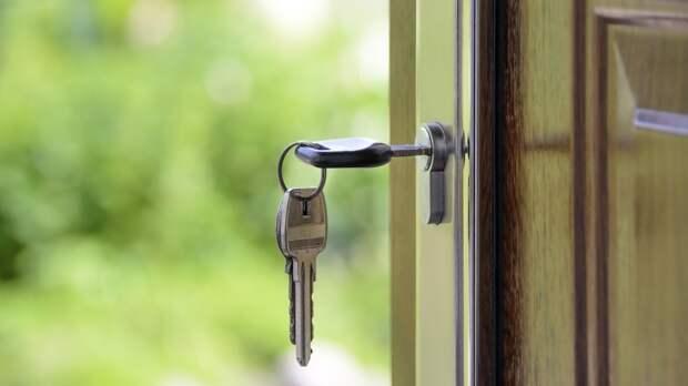 Сирот в РФ могут начать регистрировать в местных администрациях до выделения жилья