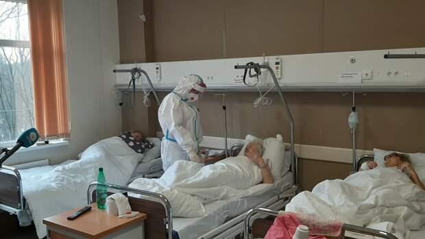 Власти Петербурга организуют дополнительные места для больных COVID-19