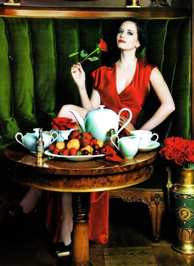 Неповторимая Ева Грин во всей своей таинственной красе.