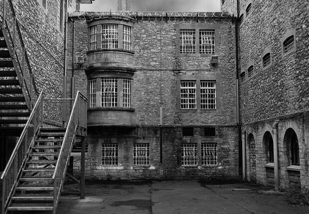 UKs Most Haunted Prison Allowing People To Stay For The Night Haunted Prison A
