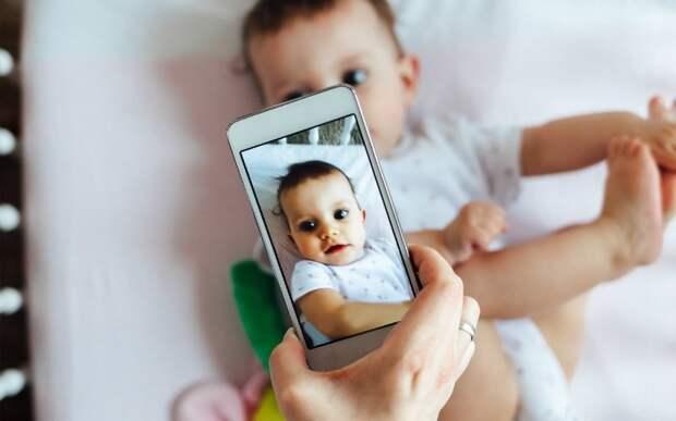 Психологи советуют родителям не выкладывать фото ребенка в социальных сетях
