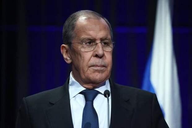 Лавров заявил, что Россия вынуждена делать выводы из угроз отключить страну от SWIFT