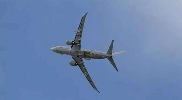 Американский самолет в очередной раз провел разведку близ российских баз в Сирии