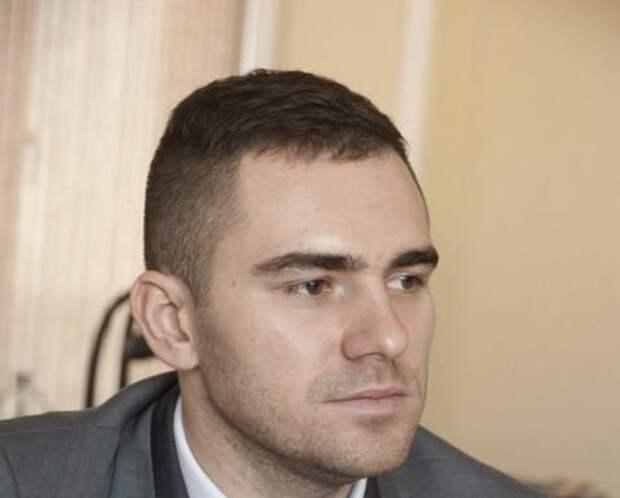 Генеральный директор сети «Дядя Дёнер» Антон Лыков рассказал о причинах финан...