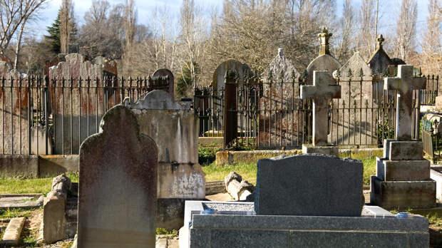 Надгробная плита убила женщину в Тольятти