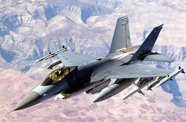 Истребитель F-16.    Фото  inukr.net