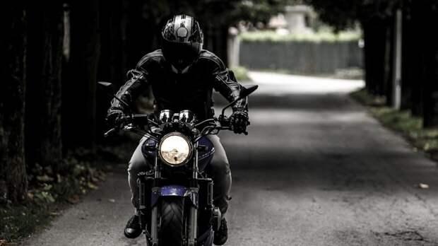 Мотоциклист насмерть сбил жителя Екатеринбурга