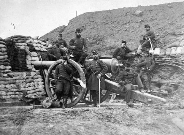 Французские солдаты у пушки 23 июля 1870
