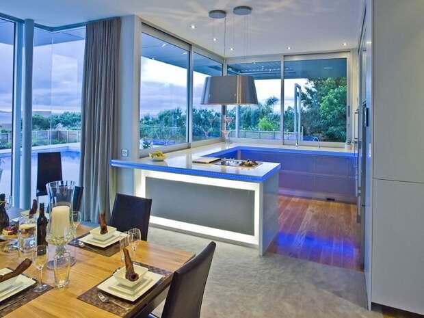 Стильная столешница преобразит любую обстановку на кухне и станет просто простым и успешным решением.