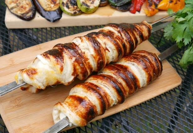 Сырный шашлык вкуснее мяса: готовим как хачапури, но на шампуре