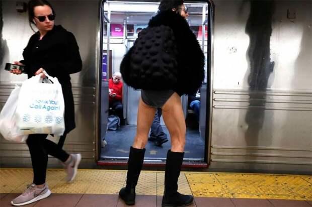 Флешмоб «Метро без штанов» шагает по планете. В этом году присоединились 10 городов