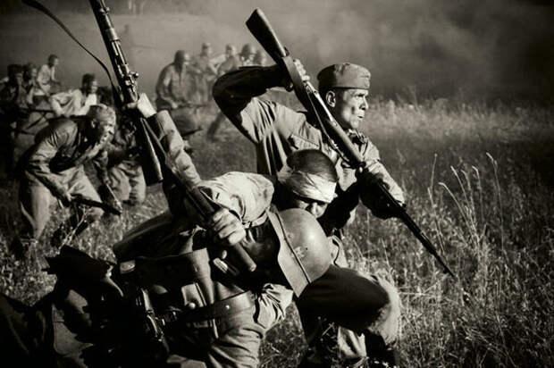 Столкнувшиеся со штыковыми атаками немцы по достоинству оценили этот навык советского солдата.
