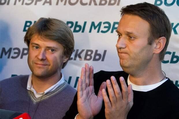 Ашурков перед ЧП предлагал Навальному «тихо уйти на пенсию»