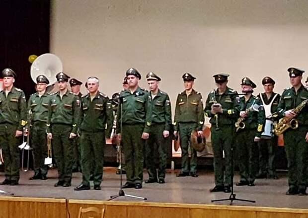Духовой оркестр ВА РХБЗ выступил в концерте в рамках празднования 76-й годовщины Великой Победы