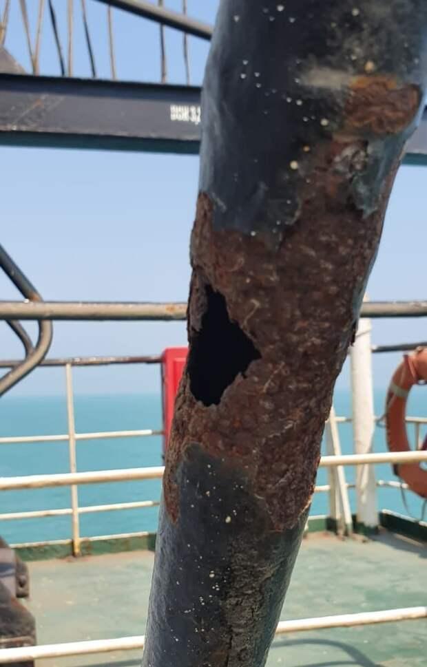 """Новая """"плавучая бомба"""": Нашёлся судовладелец, чей груз селитры разнёс пол-Бейрута"""