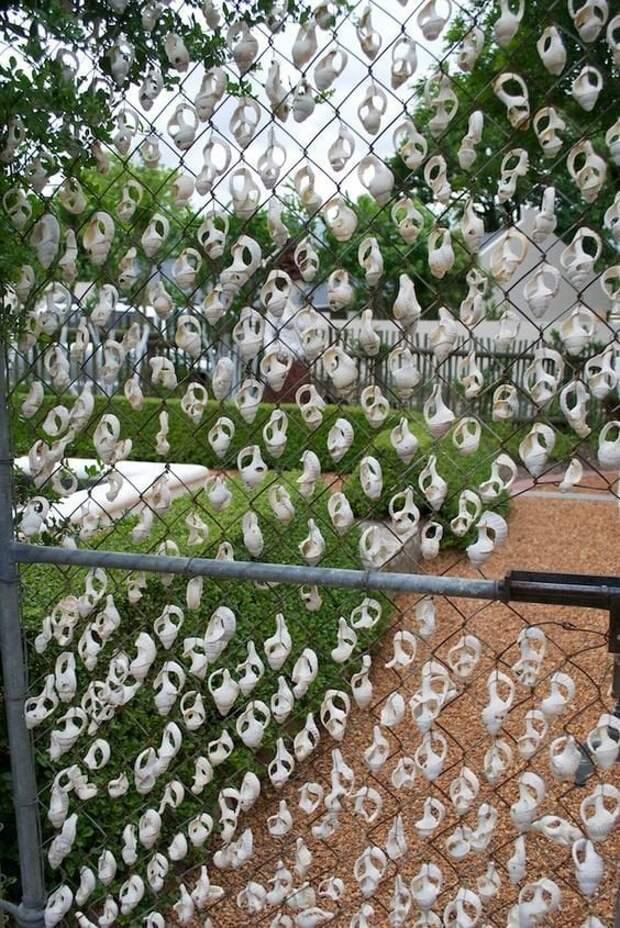Диковинный декор сетки-рабицы простыми материалами