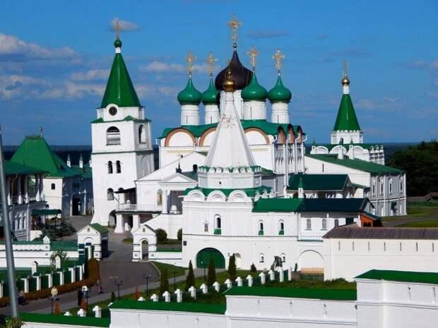 Пизанские башни в России: 3 удивительные ошибки архитектуры