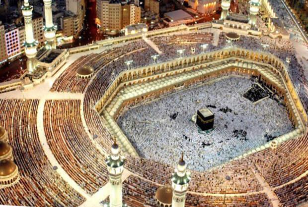 Что находится внутри святыни ислама Каабы?