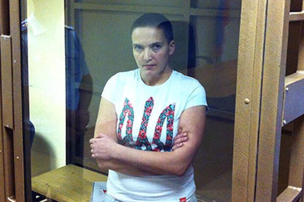 Летчицу Савченко оставили под арестом до конца октября