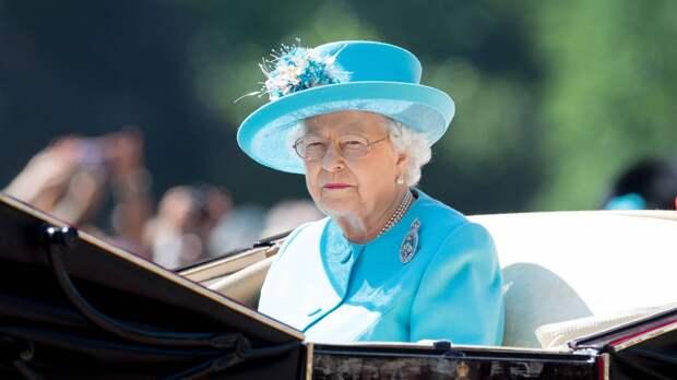 Елизавета II впервые обратилась к британцам после смерти принца Филиппа