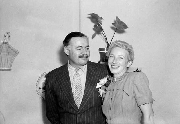 Эрнест Хемингуэй и Мэри Уэлш. / Фото: www.pagesix.com
