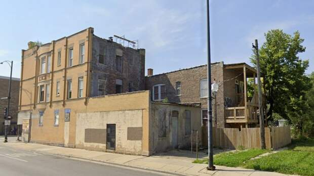 В этом здании был застрелен Джейвон Уорд