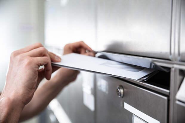 В подъезде дома на Пестеля починили почтовые ящики