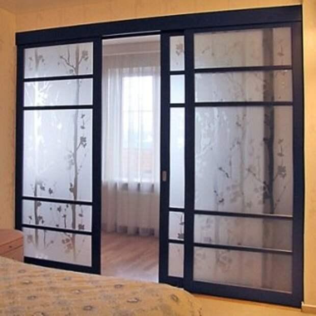 Раздвижные стеклянные двери: рекомендации по установке