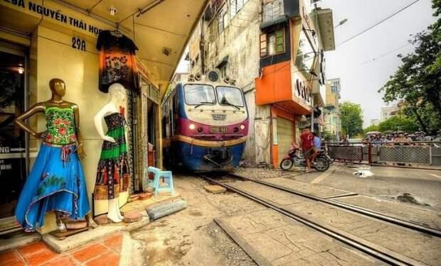 7 поездов, которые проходят через самые необычные места, image #8