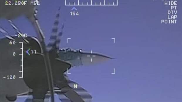 """""""Весь экипаж трясло"""": Пентагон показал новое видео перехвата Су-27"""